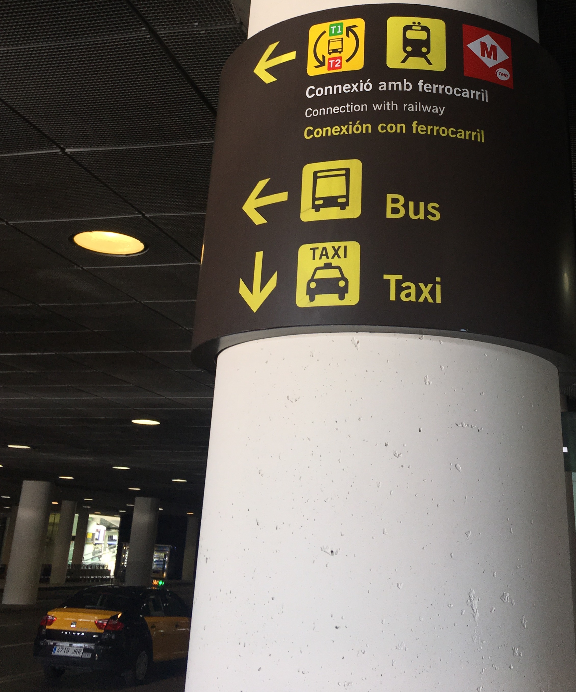 Tips for Barcelona Public Transportation II: airport access