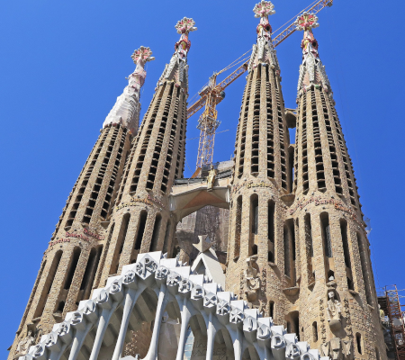 sagrada familia stand alone 2 hours walking tour - dreamingbarcelona