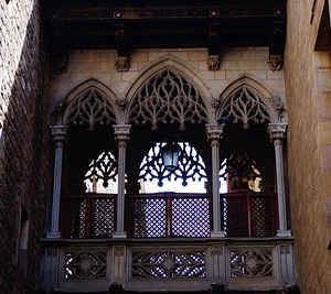 catalonian history politics private walking tour- gothic district dreamingbarcelona