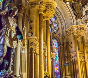 private tour and guide Montserrat Dreaming Barcelona - Abbey Inside