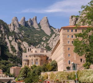 Private Tour and guide Montserrat tours from Dreaming Barcelona - Abbey